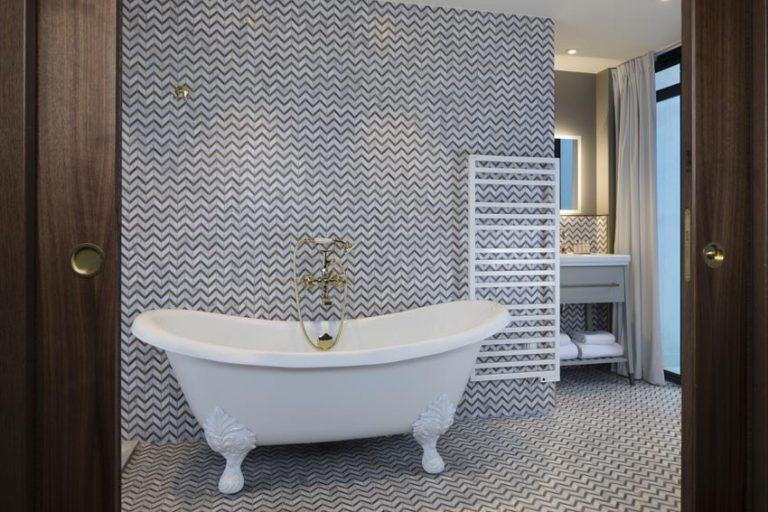 baignoire petite maison bréguet