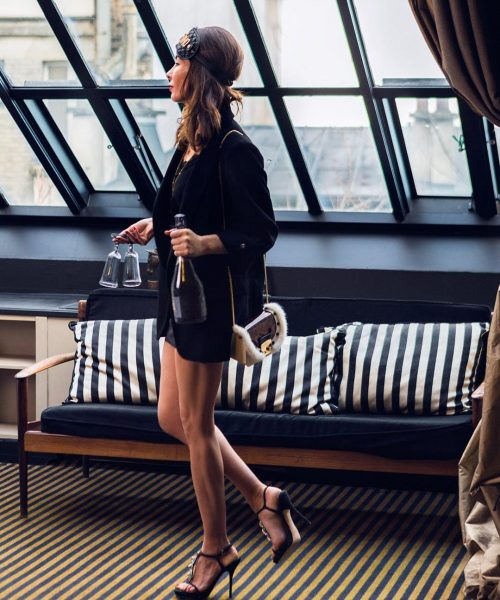 shooting femme suite eiffel hôtel particulier montmartre