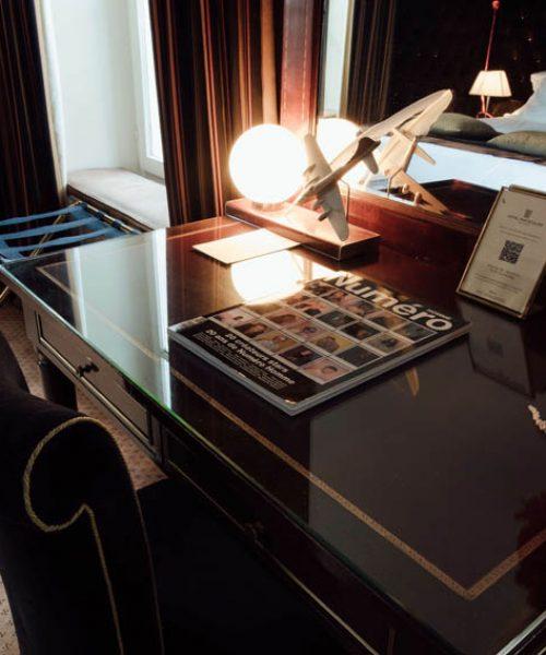 hotel-particulier-montmartre-suite-vitrine9